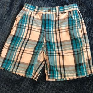 Size-3T Hurley shorts